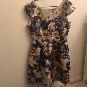 Dresses & Skirts - Floral tea dress